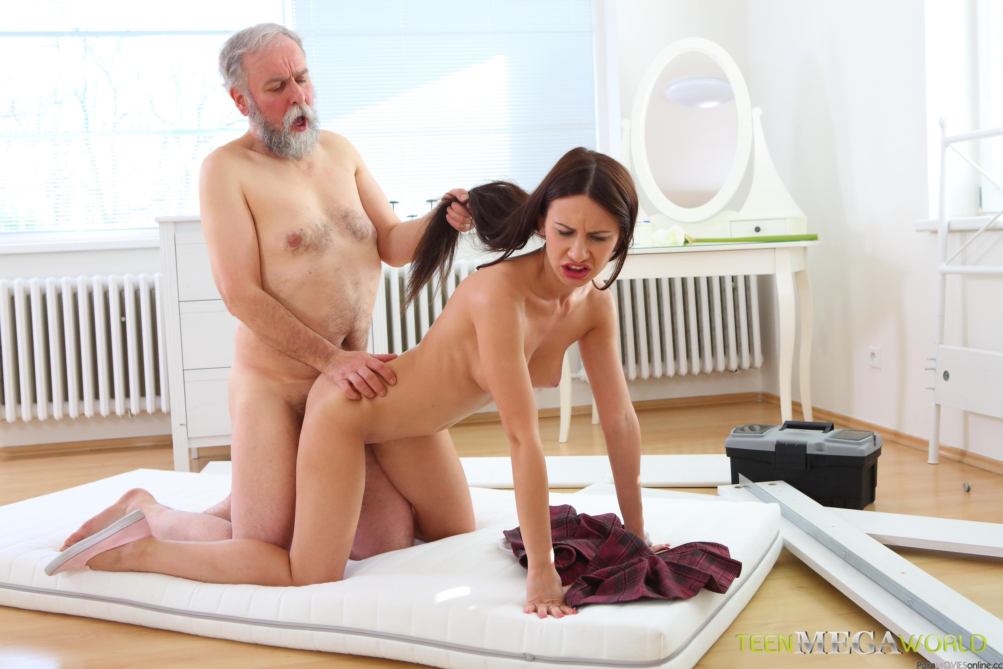intelligible message Bravo, latina milf shows off her amazing body your business!