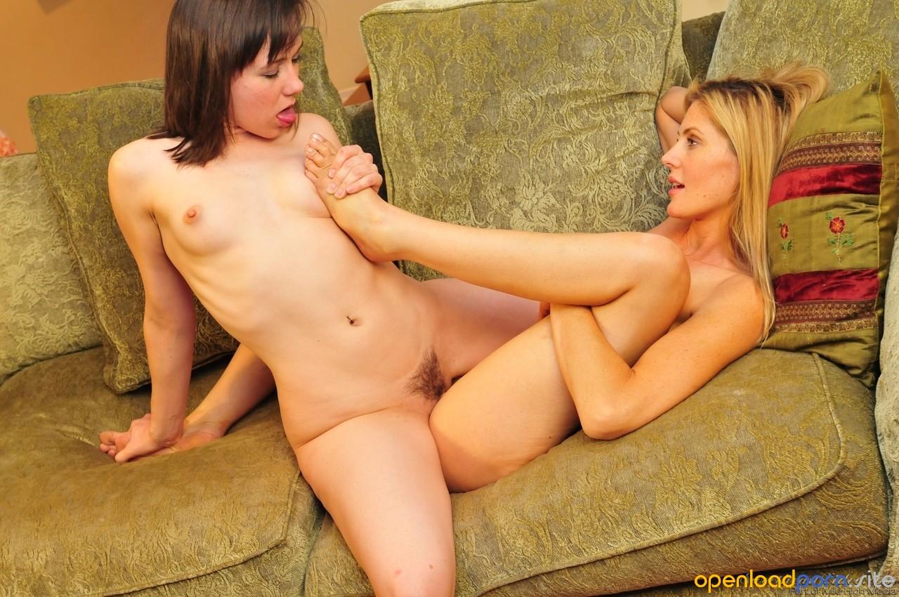 Leg Shaking Orgasm Lesbian